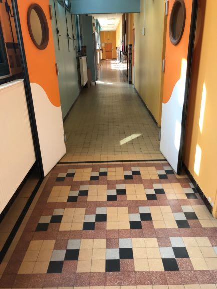 Cette image a un attribut alt vide; le nom du fichier est couloir-2.jpg